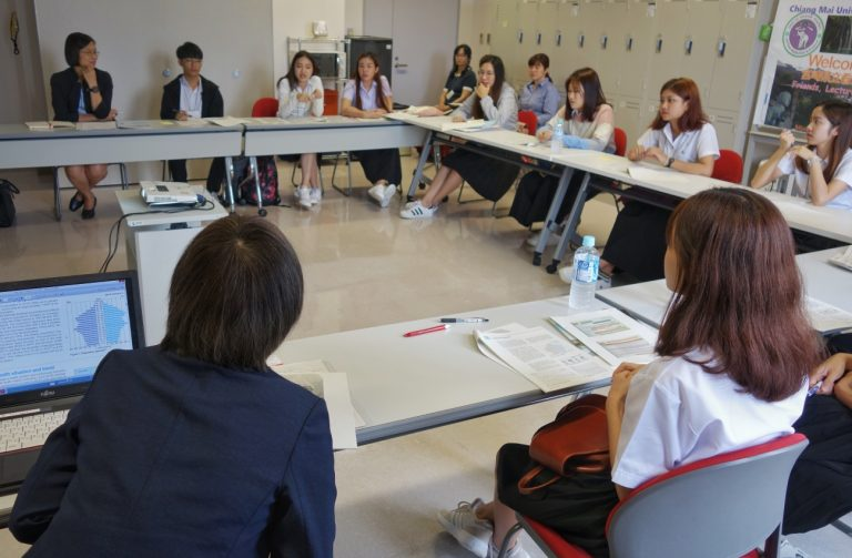 Lecture on Japan's medical and welfare system